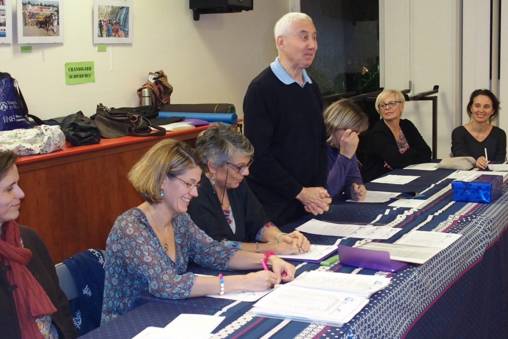 Bernard Bouanchaud et le bureau de la Viniyoga Fondation